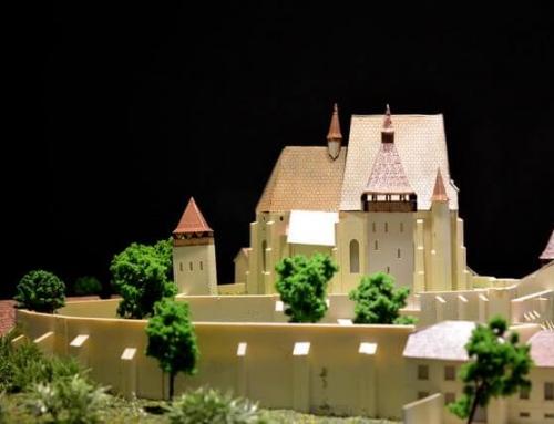Les maquettes architecturales des châteaux et églises fortifiées de Transylvanie, Biertan
